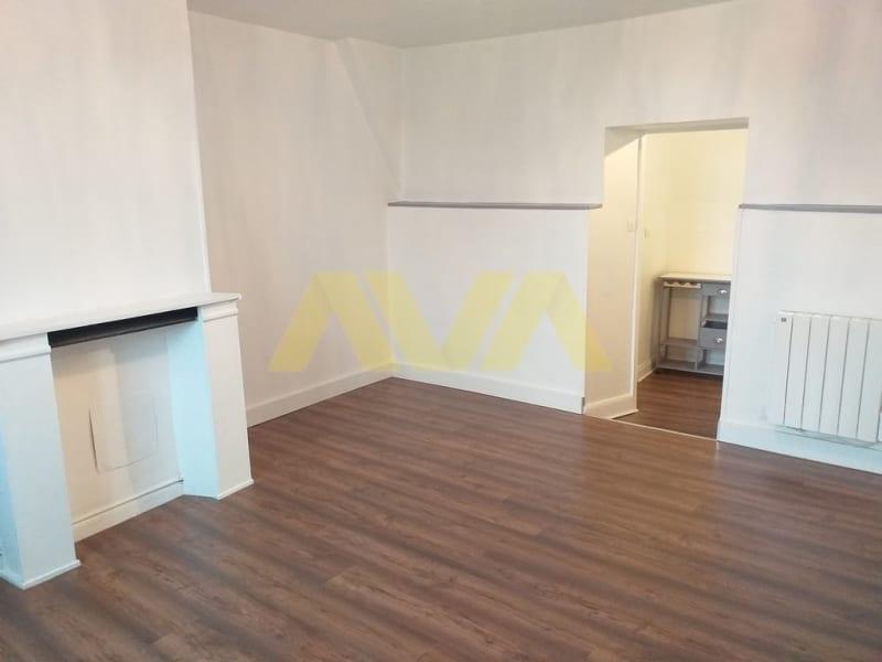 Rental apartment Oloron-sainte-marie 370€ CC - Picture 2