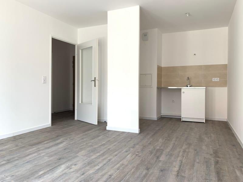 Rental apartment Montlhéry 895€ CC - Picture 1