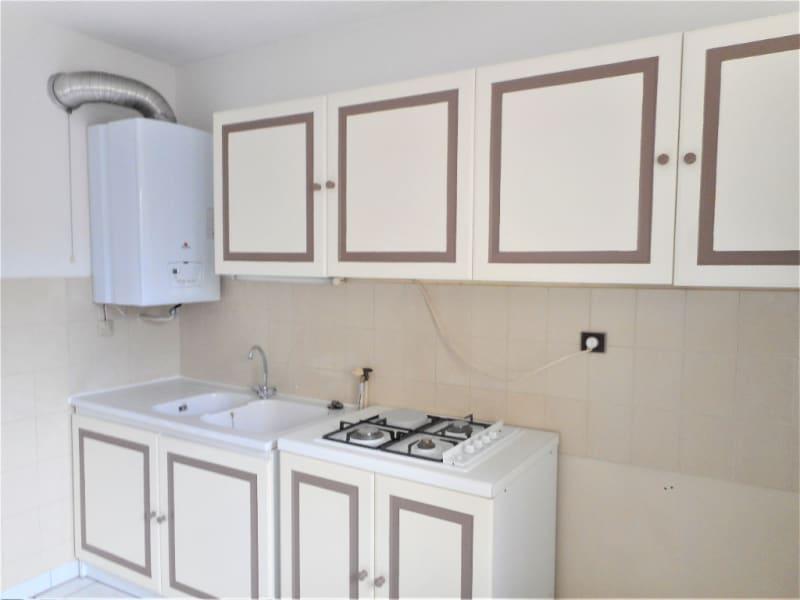 Rental apartment Voiron 623€ CC - Picture 2