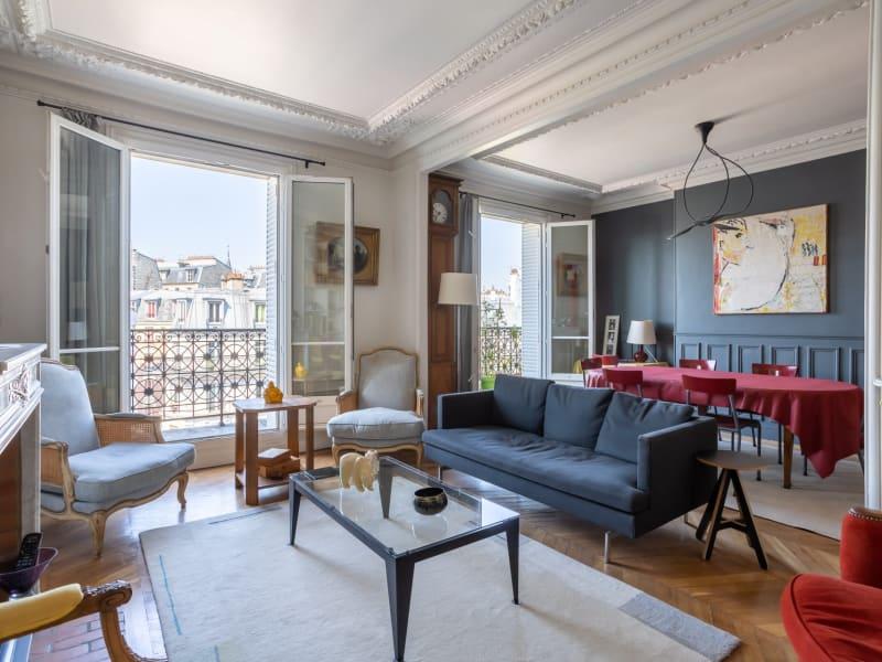 Sale apartment Paris 18ème 990000€ - Picture 2