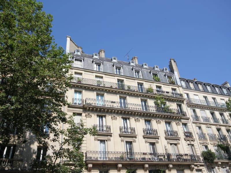 Sale apartment Paris 18ème 990000€ - Picture 13