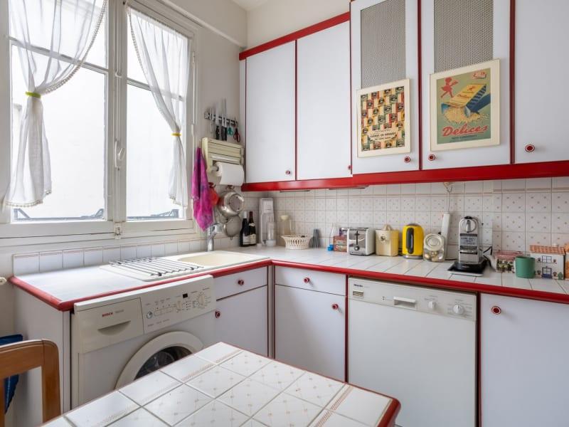 Sale apartment Paris 18ème 990000€ - Picture 12