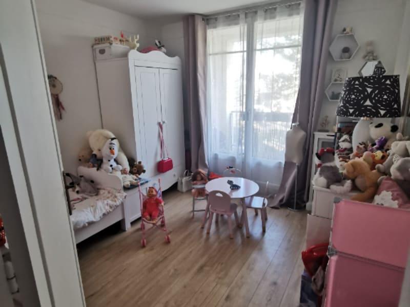 Sale apartment Bougival 357000€ - Picture 3