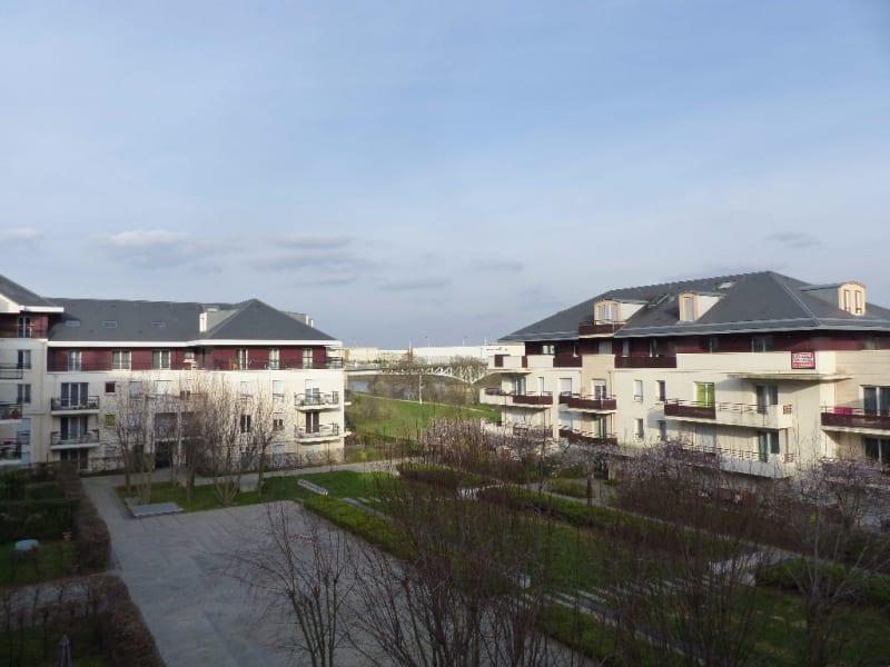 Rental apartment Carrieres sous poissy 748,69€ CC - Picture 1