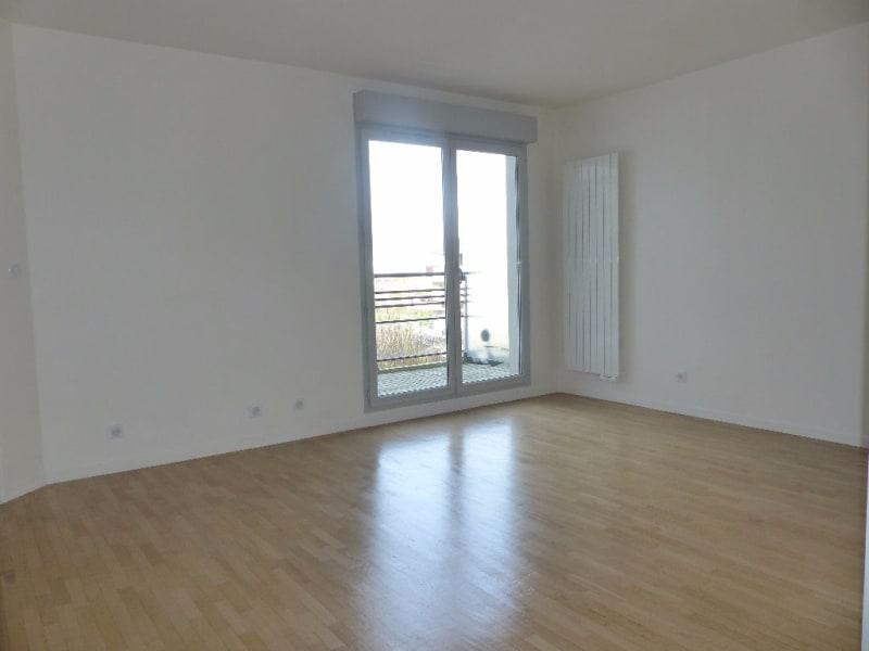 Rental apartment Carrieres sous poissy 748,69€ CC - Picture 2