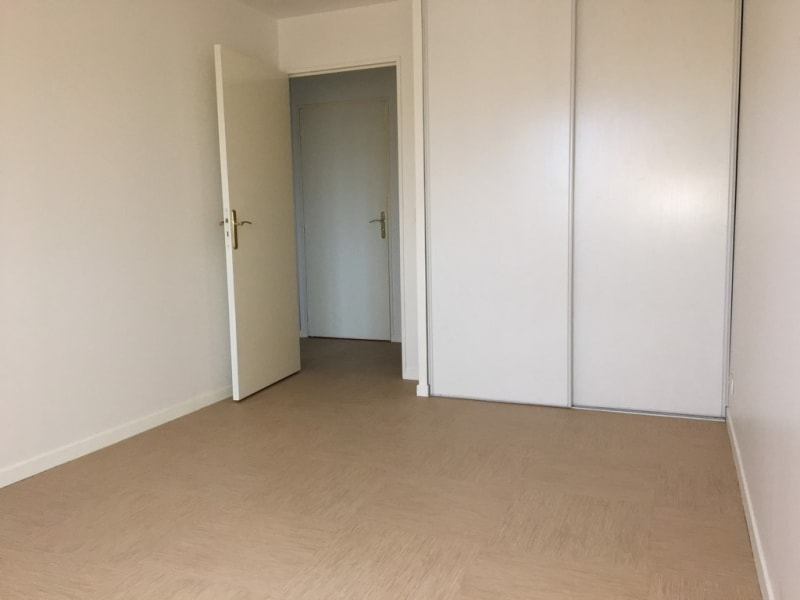 Location appartement Poissy 1089€ CC - Photo 3