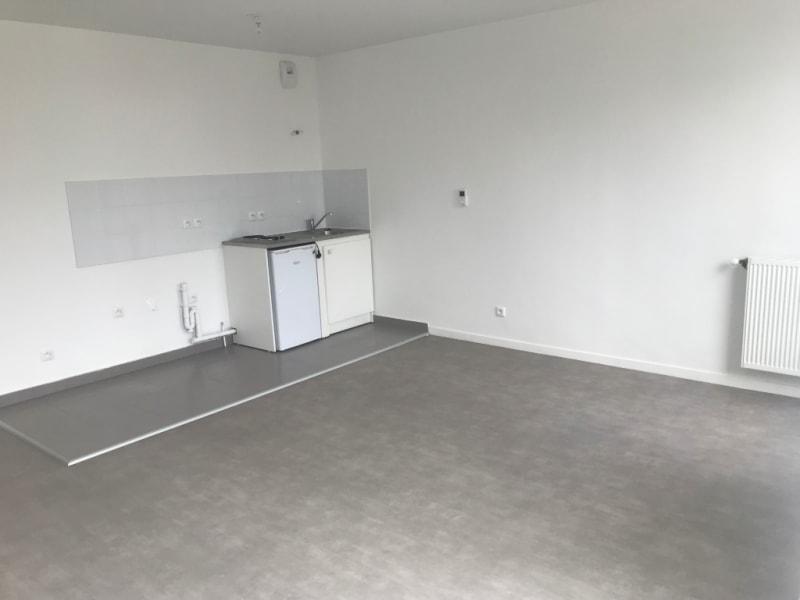 Location appartement Poissy 658,15€ CC - Photo 2