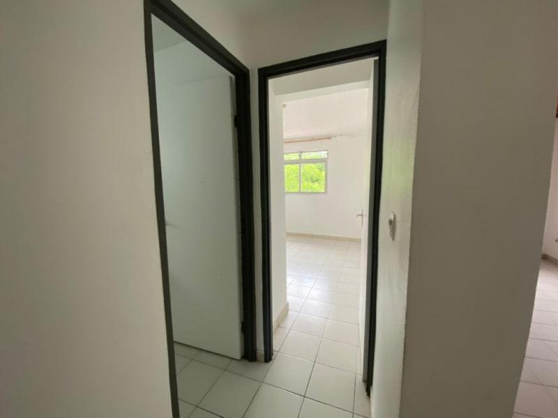 Location appartement Fort de france 880€ CC - Photo 3