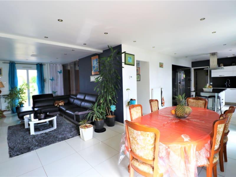 Sale house / villa Courville sur eure 240000€ - Picture 3