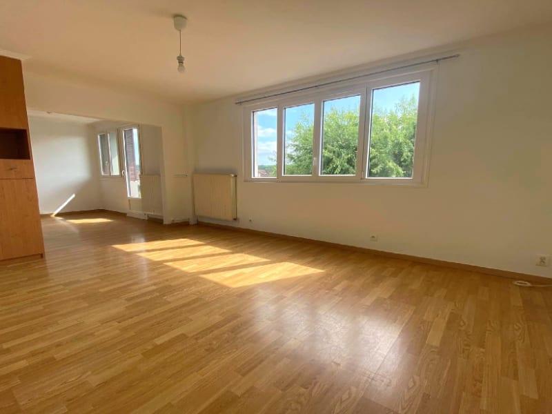 Rental apartment Les clayes sous bois 958€ CC - Picture 1