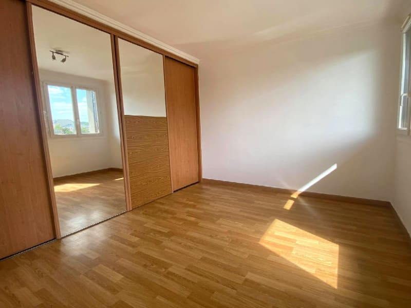 Rental apartment Les clayes sous bois 958€ CC - Picture 4