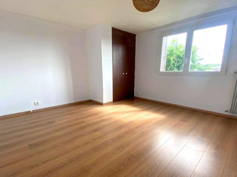 Rental apartment Les clayes sous bois 958€ CC - Picture 5