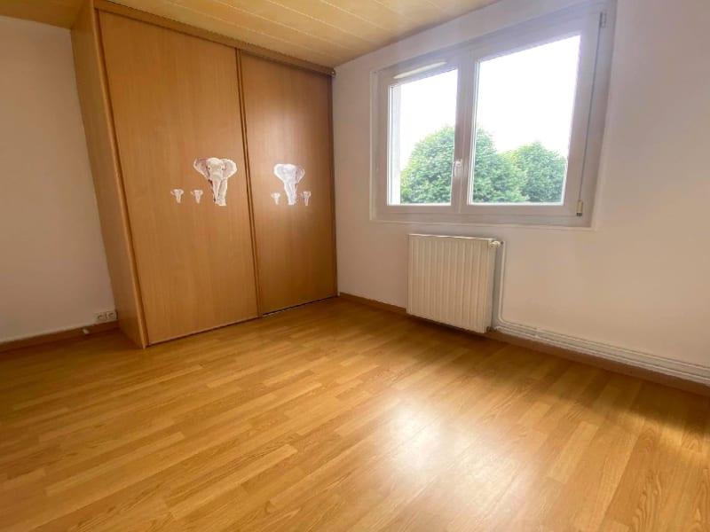 Rental apartment Les clayes sous bois 958€ CC - Picture 6