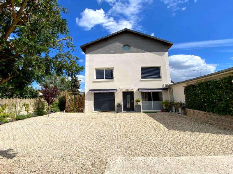 Rental apartment Les clayes sous bois 844€ CC - Picture 1