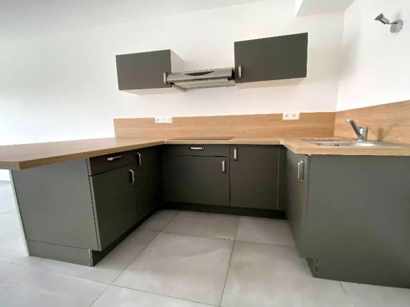 Rental apartment Les clayes sous bois 844€ CC - Picture 4