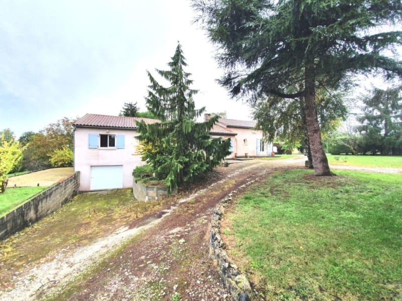 Sale house / villa Étriac 221500€ - Picture 2