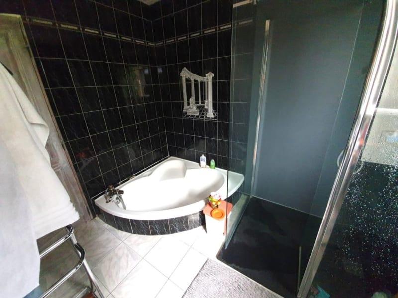 Sale house / villa Étriac 221500€ - Picture 8