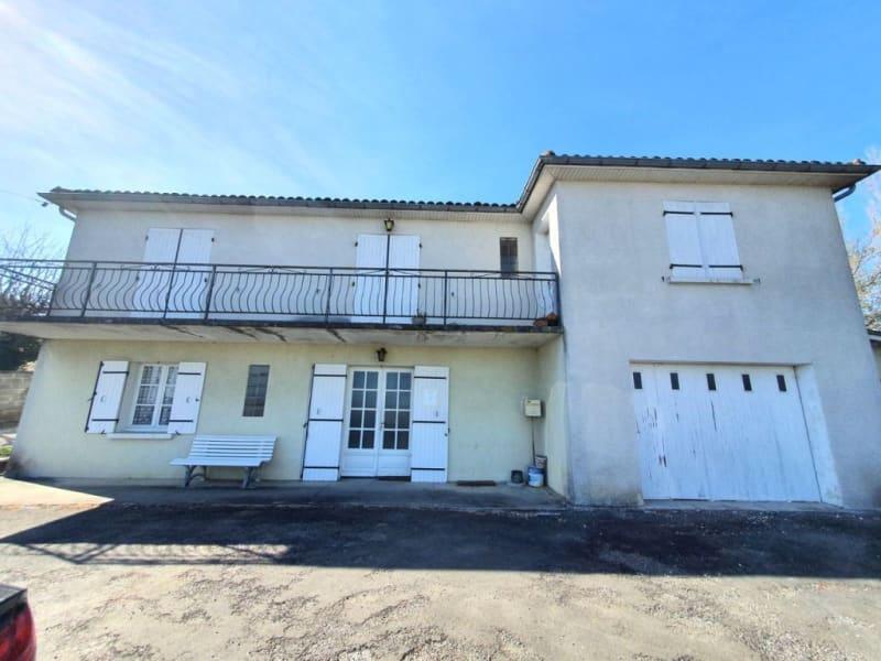 Sale house / villa Berneuil 128200€ - Picture 1
