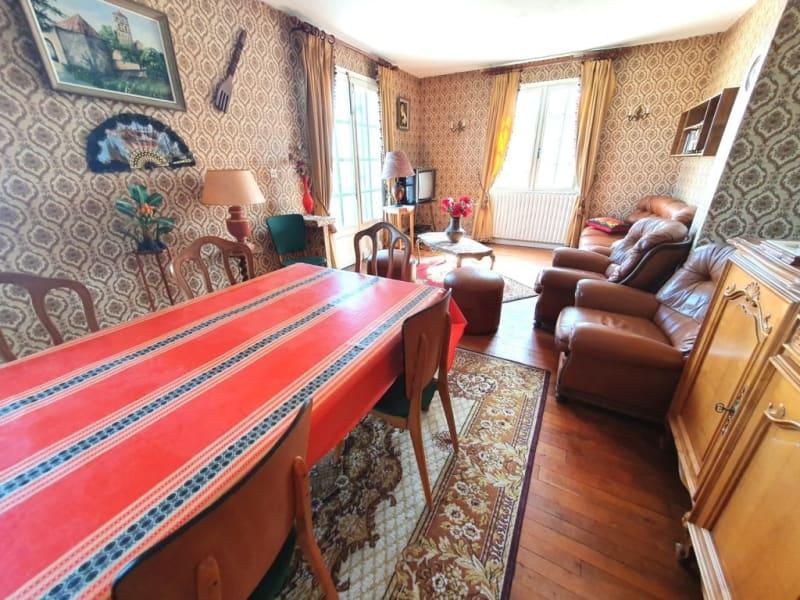 Sale house / villa Berneuil 128200€ - Picture 2