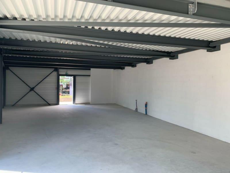 Rental empty room/storage Châteaubernard 2450€ HC - Picture 3