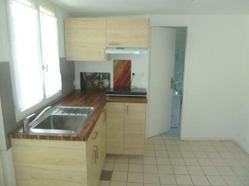 Rental apartment Vaux sur seine 545€ CC - Picture 2