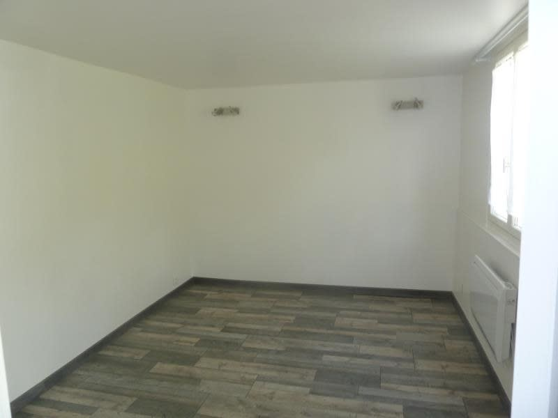 Rental apartment Vaux sur seine 545€ CC - Picture 4