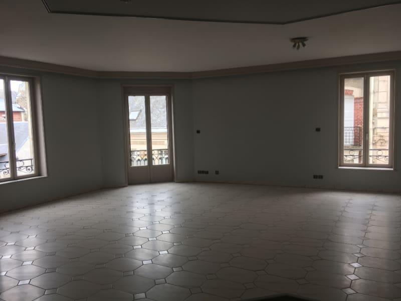 Rental apartment Saint quentin 800€ CC - Picture 3