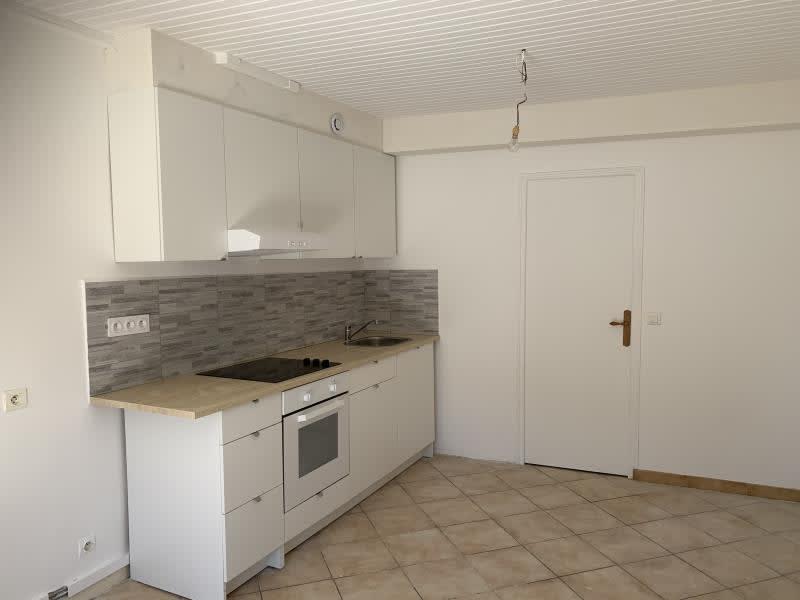 Rental apartment St fargeau ponthierry 600€ CC - Picture 2