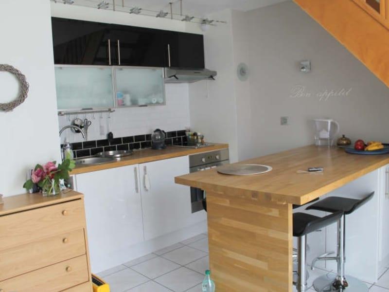 Rental apartment Verrieres le buisson 785€ CC - Picture 2