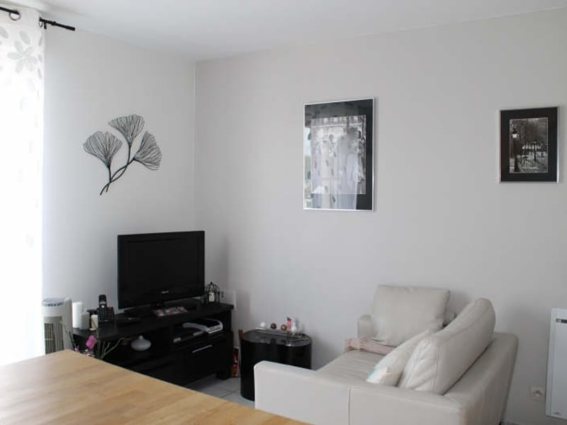 Rental apartment Verrieres le buisson 785€ CC - Picture 3