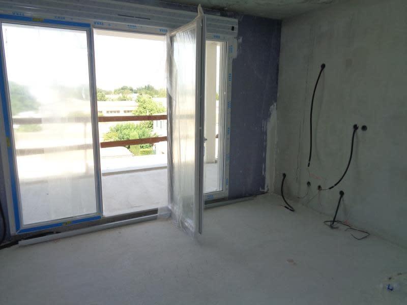 Sale apartment Trets 312500€ - Picture 1