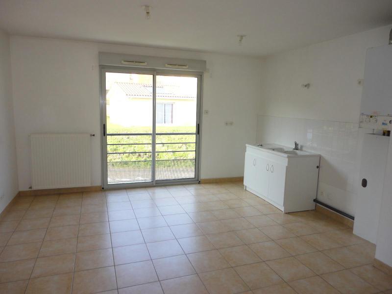 Location appartement Brussieu 470€ CC - Photo 1