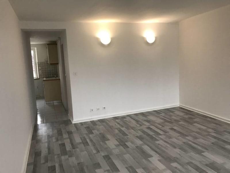 Rental apartment Arpajon 626€ CC - Picture 2