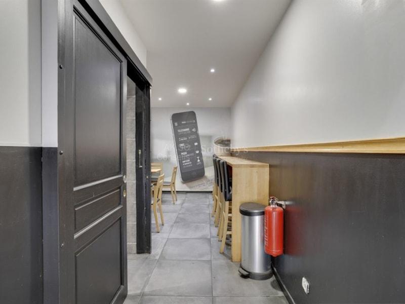 Sale empty room/storage Lyon 8ème 350000€ - Picture 2
