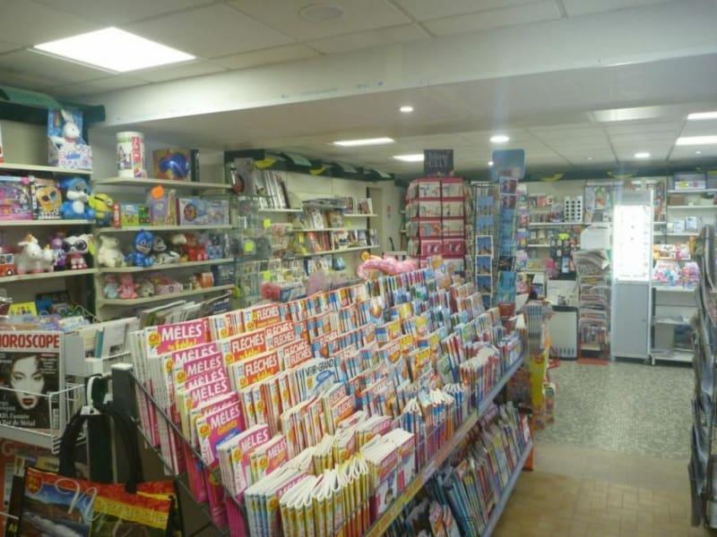 Commercial property sale shop Thiberville 67200€ - Picture 2