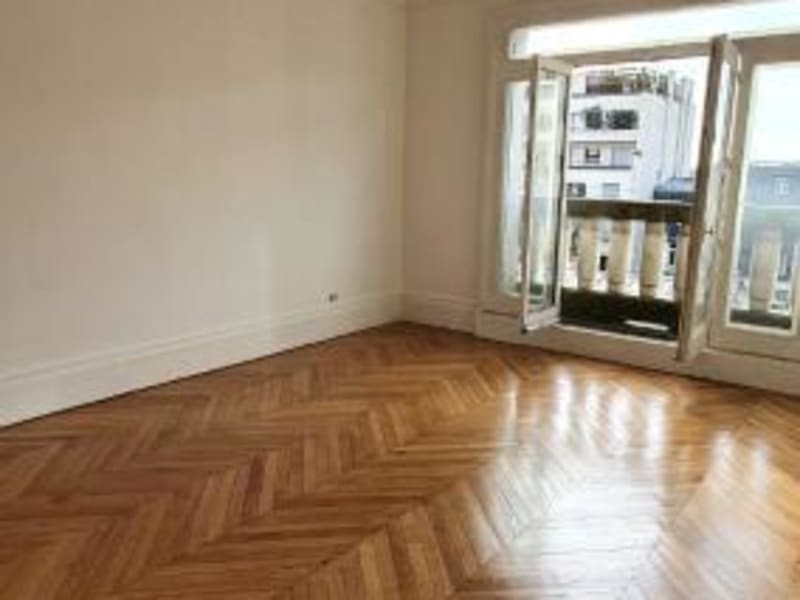 Location appartement Neuilly sur seine 2640€ CC - Photo 2