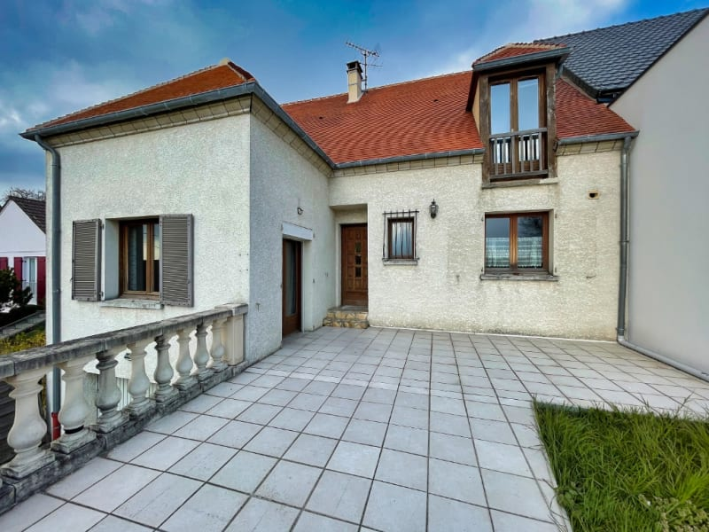 Sale house / villa Osny 472500€ - Picture 1