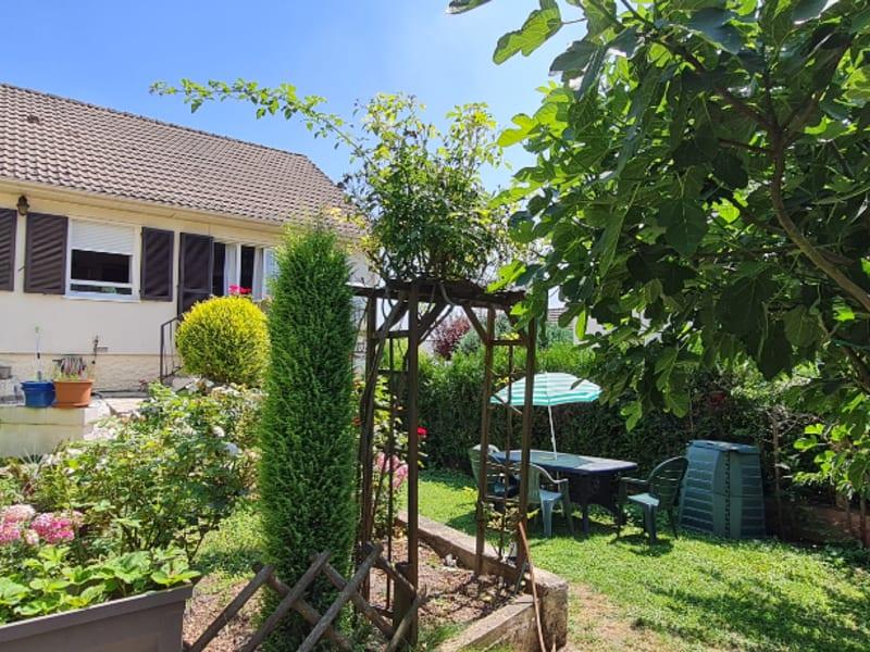 Maison située entre Grouchy et  L'Oseraie