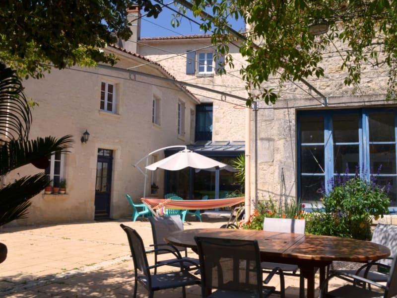 CENTRE FONTENAY LE COMTE 6 chambres garage terrain 240 m² hab