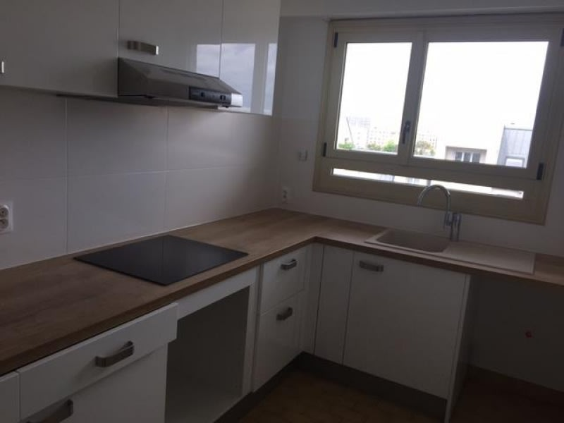Rental apartment Courbevoie 1380€ CC - Picture 8