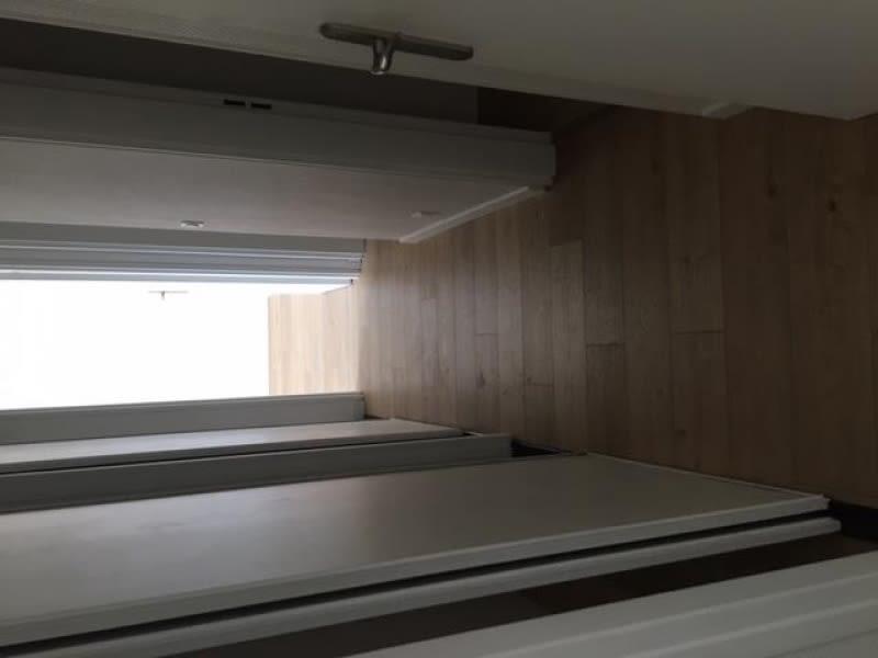 Rental apartment Courbevoie 1380€ CC - Picture 9