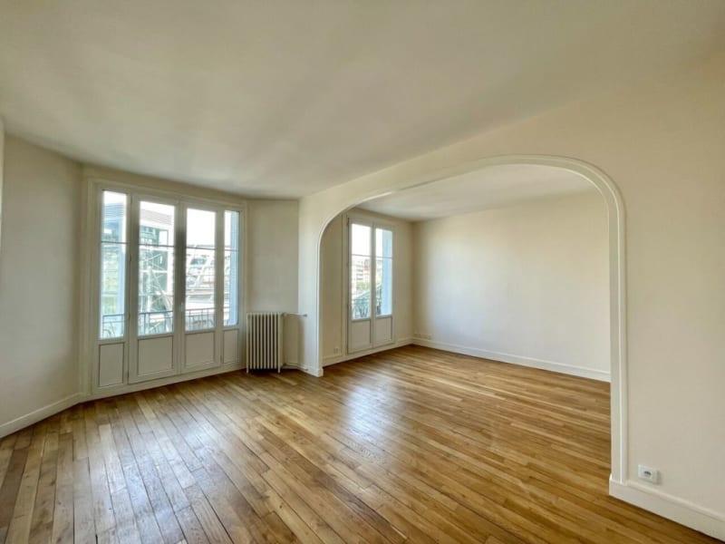 Rental apartment Courbevoie 1223€ CC - Picture 1