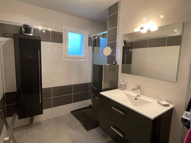Sale house / villa Saint clair sur epte 255000€ - Picture 5