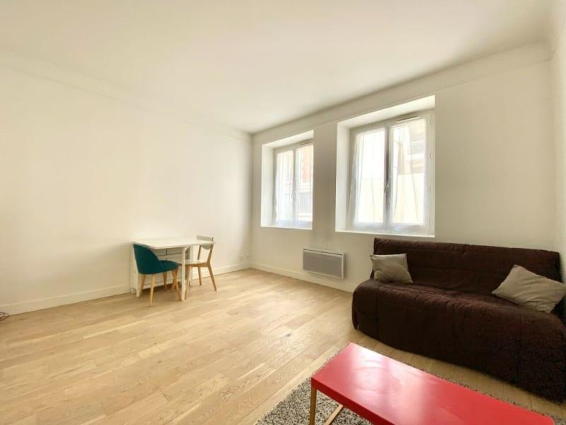 Rental apartment Paris 15ème 890€ CC - Picture 2
