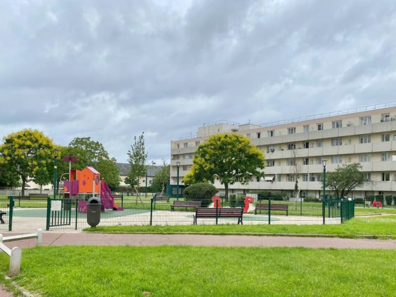 Rental apartment Colombes 1090€ CC - Picture 8