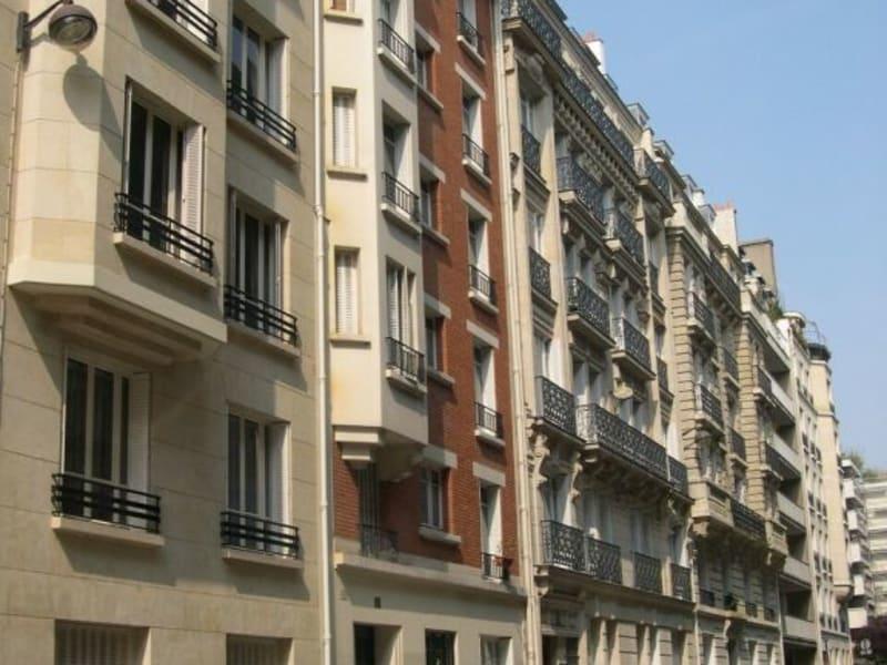 Rental apartment Paris 16ème 1370€ CC - Picture 1