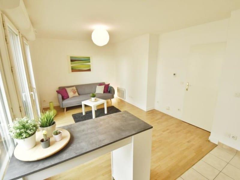 Rental apartment Chatillon 895€ CC - Picture 2