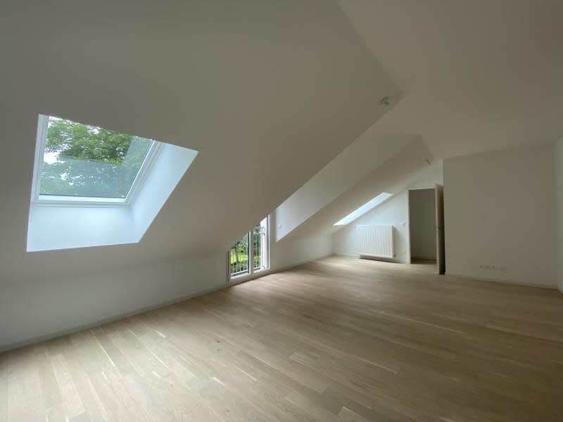 Sale apartment Le mesnil le roi 399000€ - Picture 2