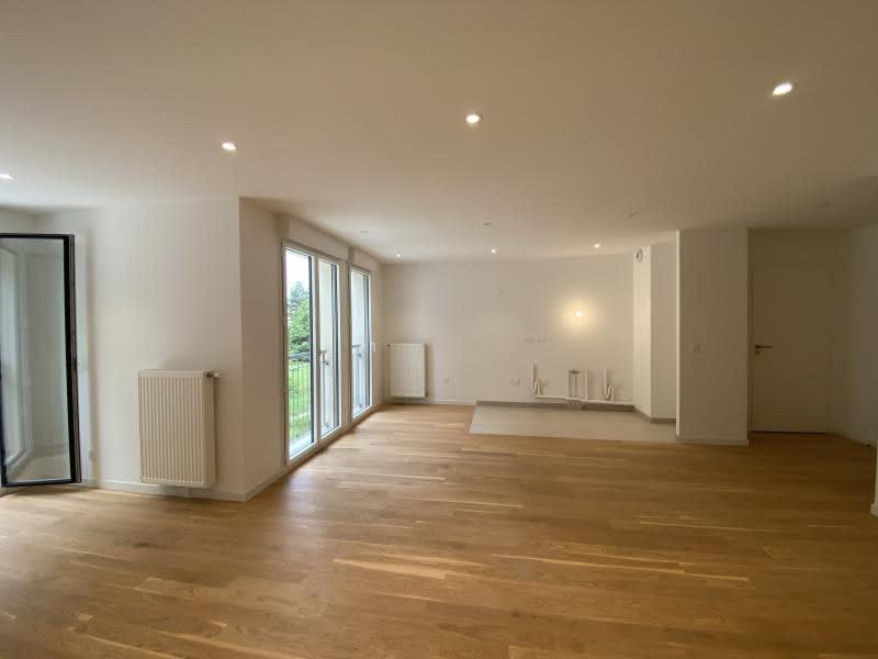 Sale apartment Le mesnil le roi 380000€ - Picture 2