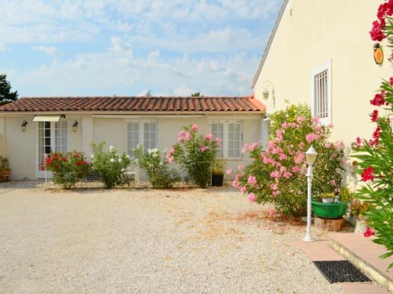 Sale house / villa Entraigues sur la sorgue 390000€ - Picture 2